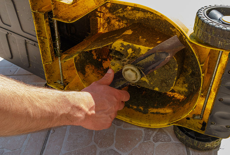 trouver un réparateur pour tondeuse à gazon de tout type
