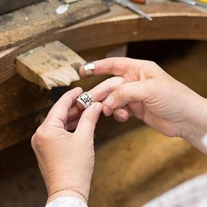 Passion de la réparation avec Veronique à Salon-de-provence