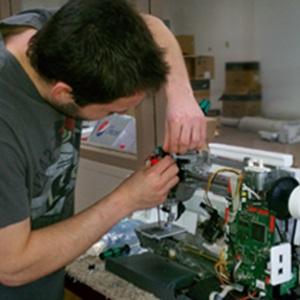 Faire des réparations avec Damien à Grenoble