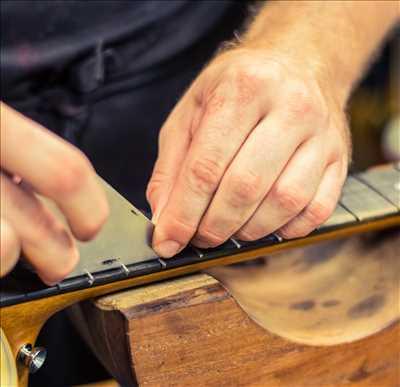 Photo de réparation d'instruments de musique n°1146 à Vienne par le réparateur Eva Musique