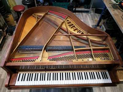 Photo de réparation d'instrument de musique n°147 dans le département 38 par Accord et Pianos
