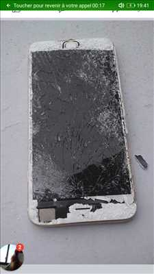 Photo de réparation de téléphone n°1764 à Meaux par Le temps d'un café