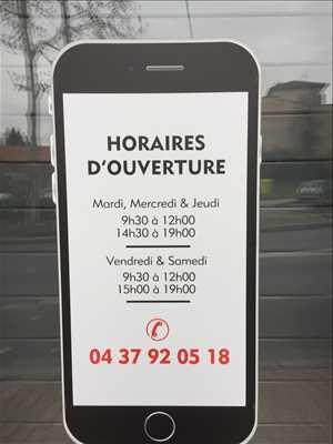 Photo de réparation de téléphone n°1870 à Lyon par le réparateur NEUVILLE PHONE