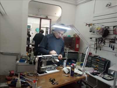 Exemple de réparation de machine à coudre électrique et électronique n°1957 à Nîmes par REPARATION MACHINES A COUDRE