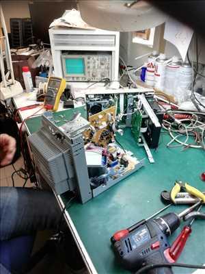 Photo de Réparation de matériel hifi n°2230 à La-Roche-Sur-Yon par le réparateur ARTV