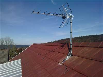 Photo de réparation de télévision n°2446 à Pontarlier par le réparateur AUDIO VIDEO SAINT PIERRE