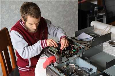 Photo de Réparation de matériel hifi n°2840 à Saint-Martin-d'Hères par Valentin SYLLA
