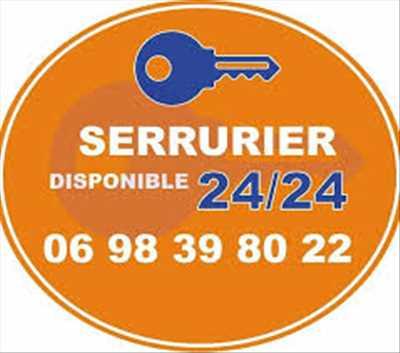 Photo de réparation de porte et de serrure n°3568 à Marseille par Le store Marseillais