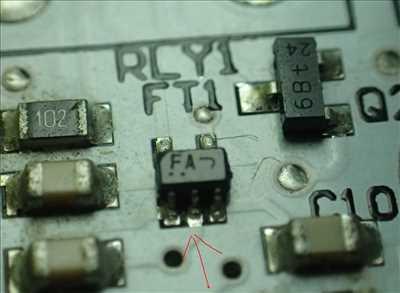 Photo de réparation de carte électronique n°3578 à Lyon par le réparateur RADIONIX