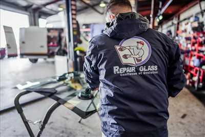 Photo de réparation de voiture n°3712 à Champigny-sur-Marne par REPAIRGLASS - REPAIRWASH