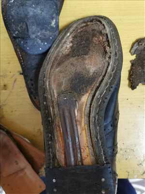 Photo de réparation de chaussures - cordonnerie n°3820 à Montluçon par O'Bouif