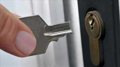 Photo de réparation de porte et de serrure n°3840 à Lyon par Sos intervention