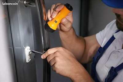 Exemple de réparation de porte d'entrée et de serrure n°3841 à Lyon par Sos intervention