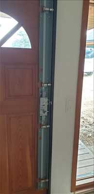 Exemple de réparation de porte d'entrée et de serrure n°469 à Vannes par Urgence serrurerie