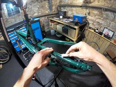 Photo de réparation de bicyclette n°847 dans le département 43 par COMPRESSION BICYCLES