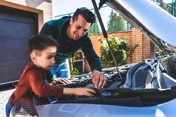 réparation de voiture avec Hugo à Aubagne