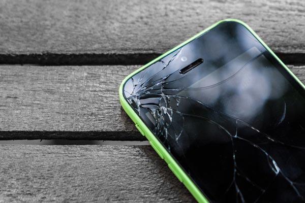 réparation de téléphone avec Mamadou  à Paris