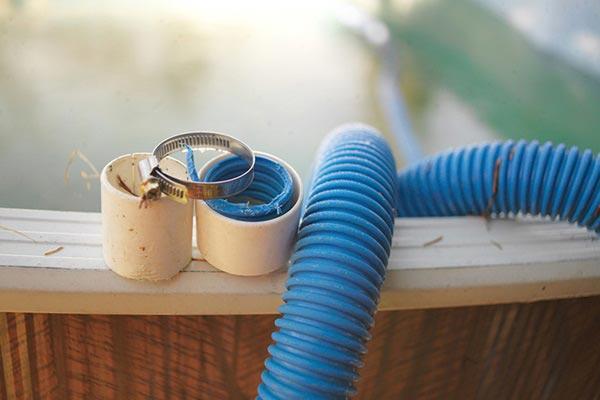 réparation de pompe de piscine avec CRABOTS à Valence